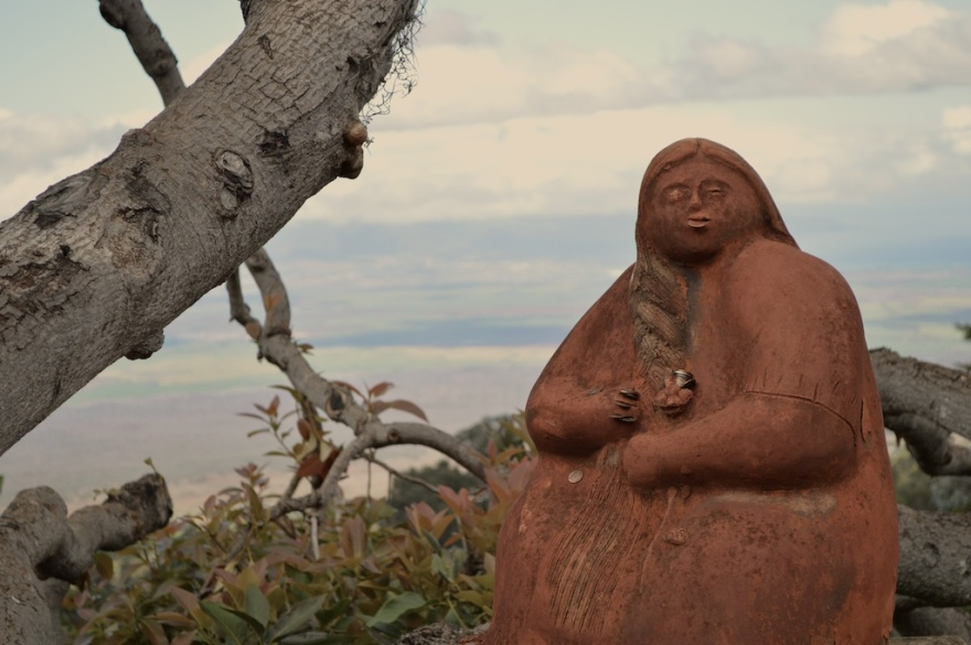Maui-2013-Nov-1-2013-lavfarm-statue